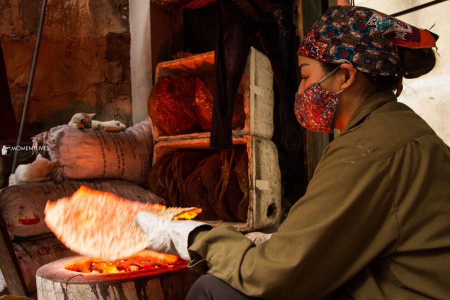 Making rice cracker in Tho Ha