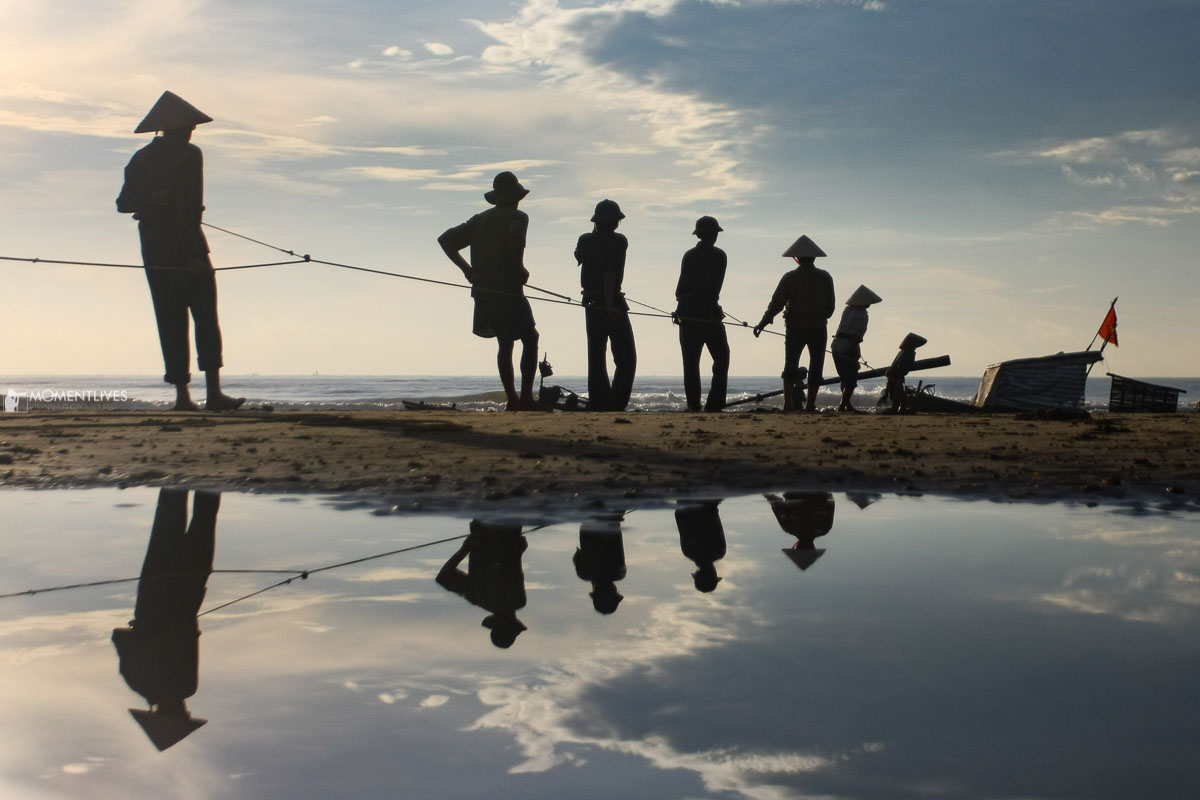 Fishermen fishing together in Thanh Hoa during our Vietnam photo tour