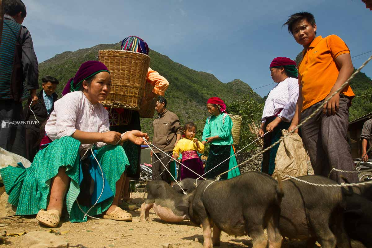 Photography tour to capture the market of Ha Giang, Vietnam