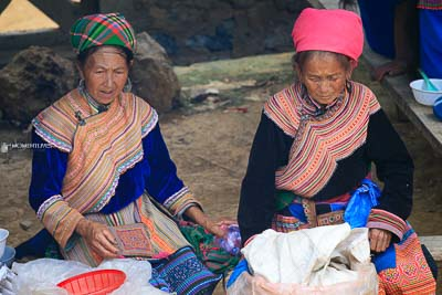 Bac Ha market photography tour